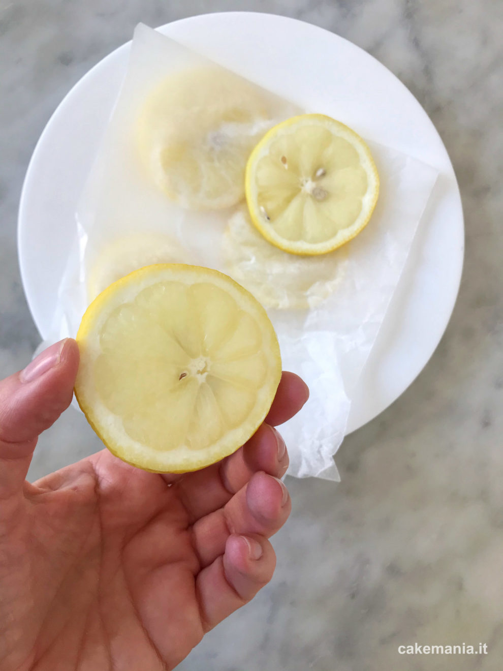 conservare le fettine di limone in freezer