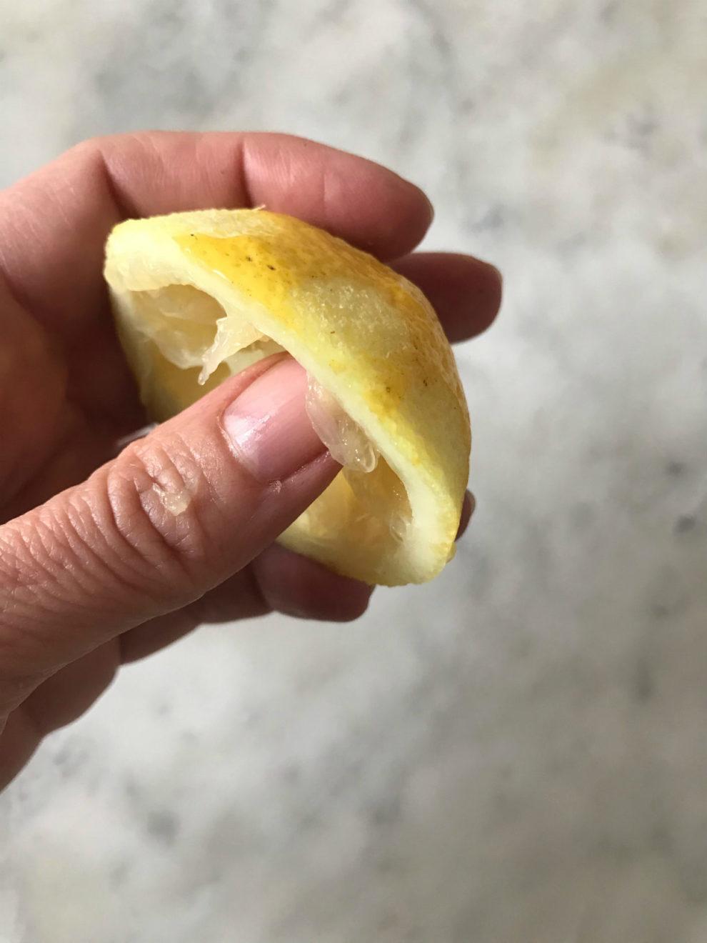 manicure con il limone unghie
