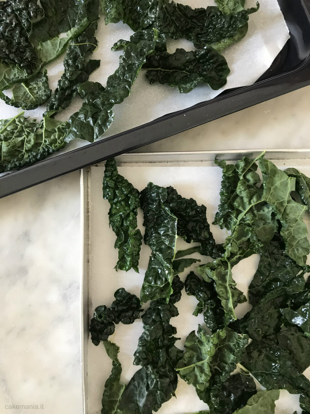 foglie di cavolo nero in teglia