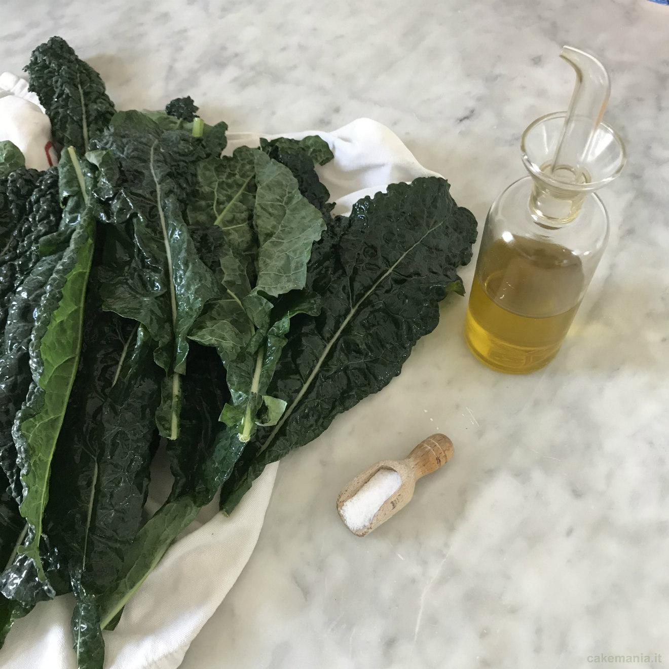 ingredienti chip di cavolo nero al forno