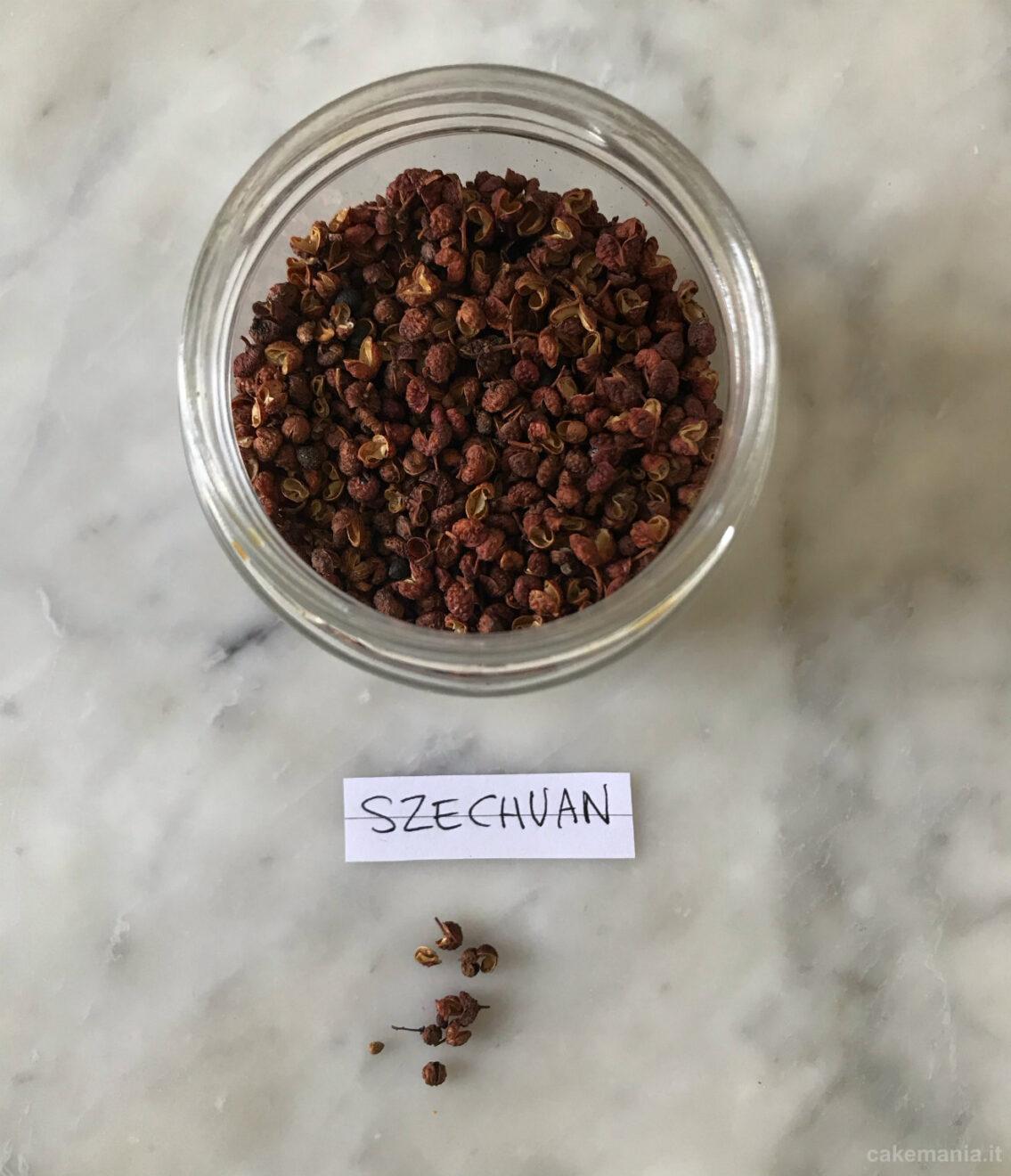 pepe di szechuan in barattolo di vetro