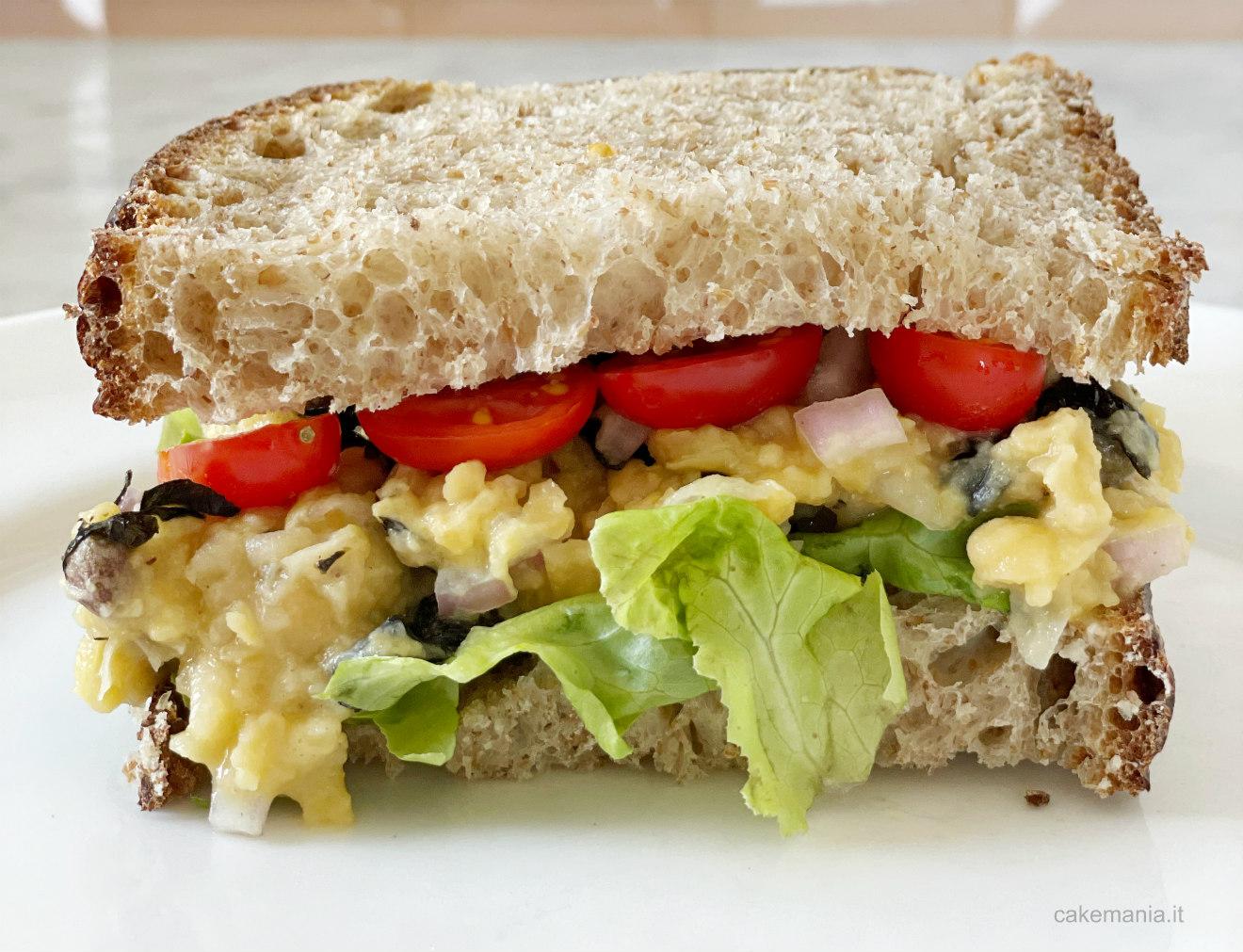 sandwich con tonno vegano fatto in casa